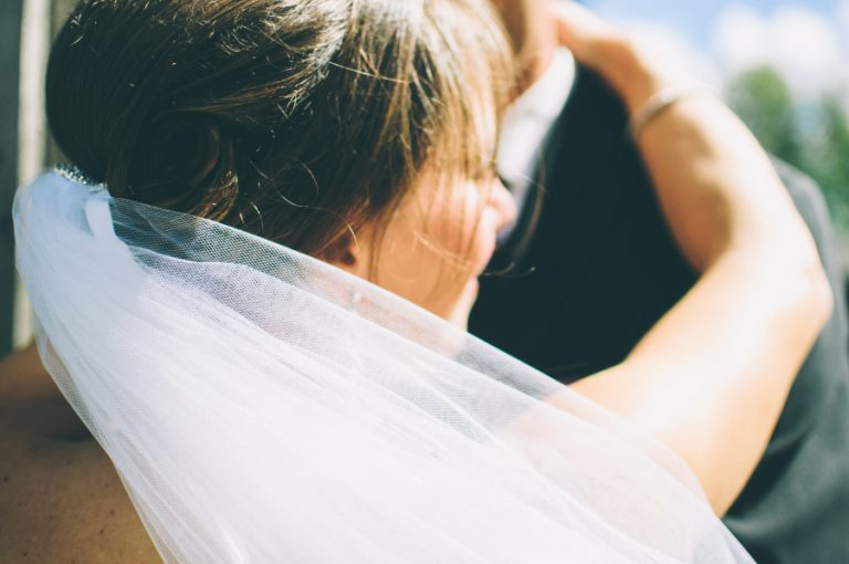 Popular Wedding Traditions and Their Surprising Origins