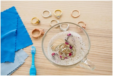 Your Guide to Effectively Cleaning Diamond Rings