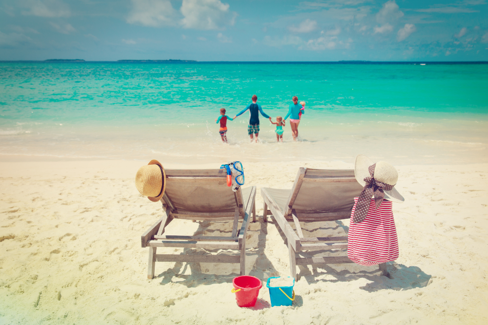5 Reasons To Have a Familymoon